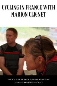 Marion Clignet talking with other competitors at a race