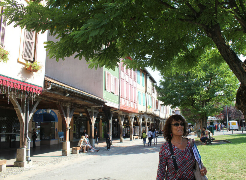 Elyse leading a group of visitors in Mirepoix