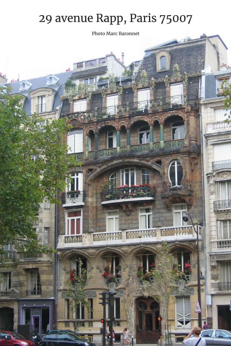 facade of an art deco building on 29 avenue Rapp, Paris 75007