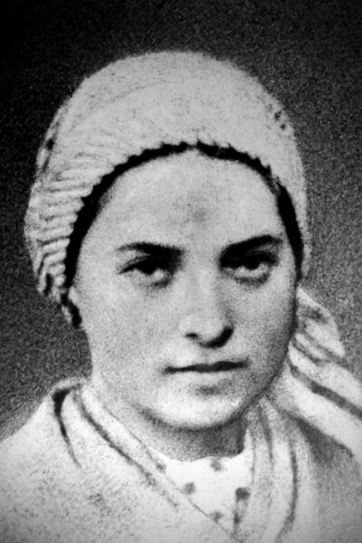 photo of bernadette soubirous the girl who had the vision of the virgin mary in lourdes