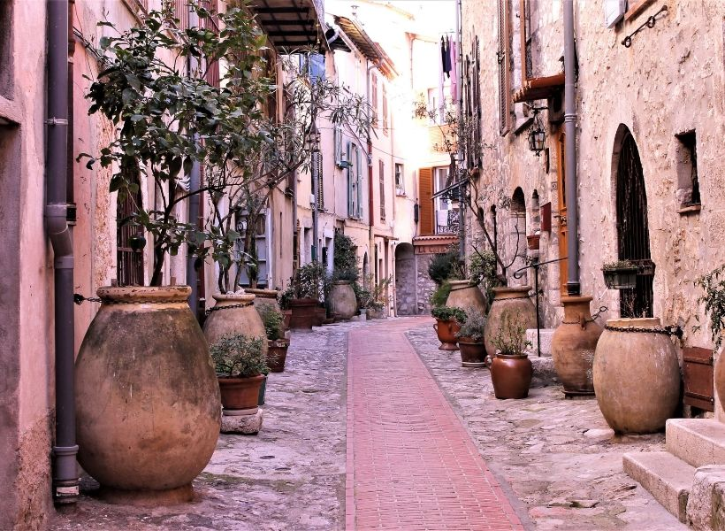 Street in La Turbie: Honeymoon in Provence Episode
