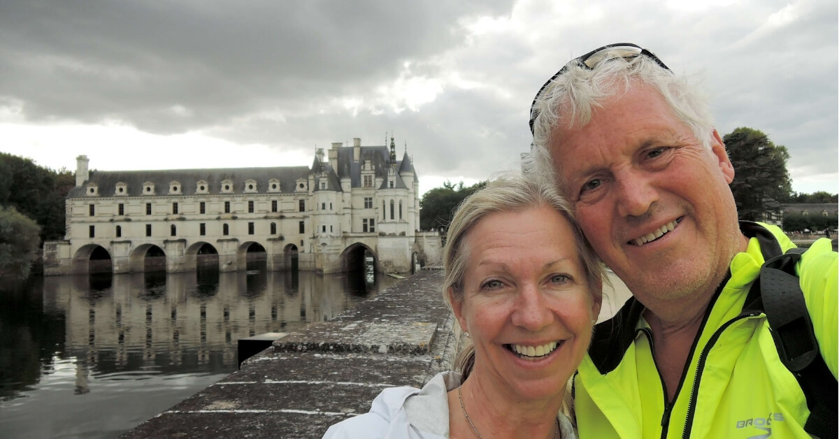 Ilona and Jim in front of the Chenonceau Chateau in the Loire Valley