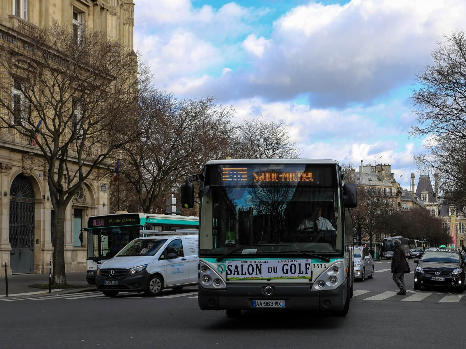 Paris Metro or Paris Bus, bus to Saint-Michel