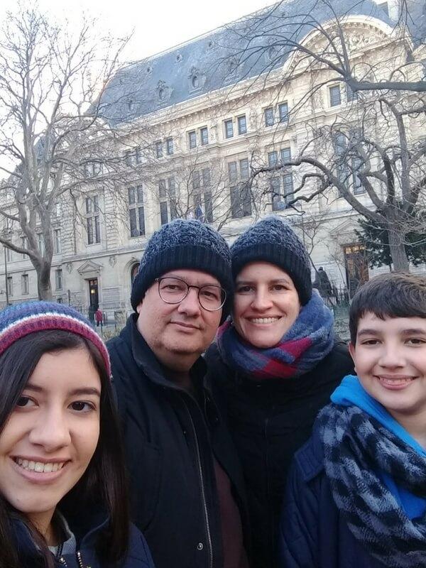 Patricia Cavalcanti and family