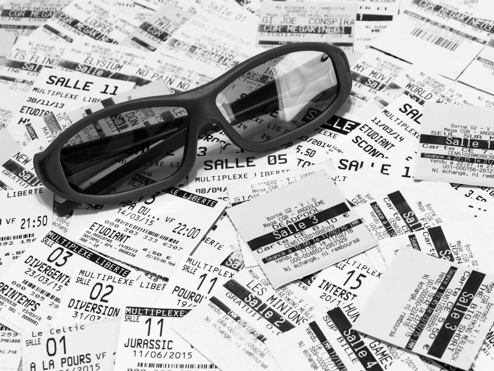 Tickets and sunglasses; How to Skip the Lines in France