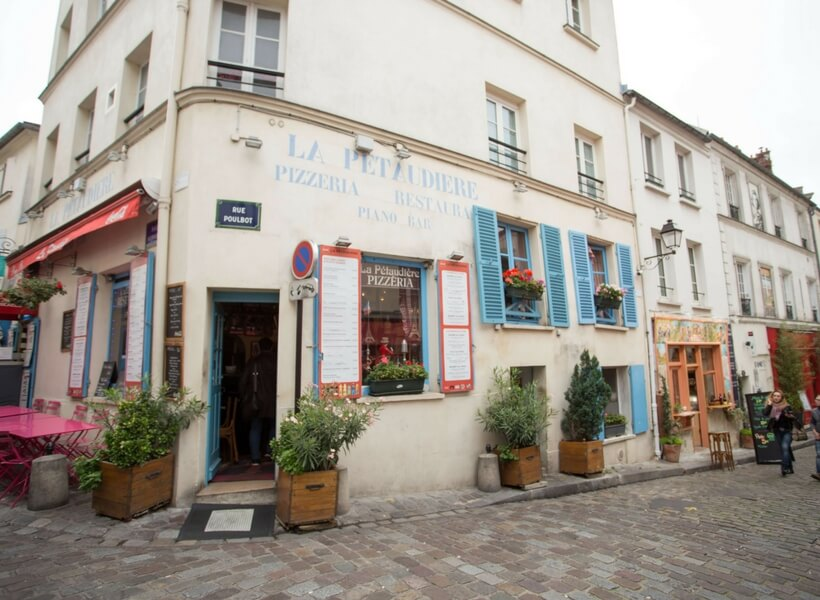 the lure of montmartre examined, episode 134; Pizzeria Restaurant on Montmartre street
