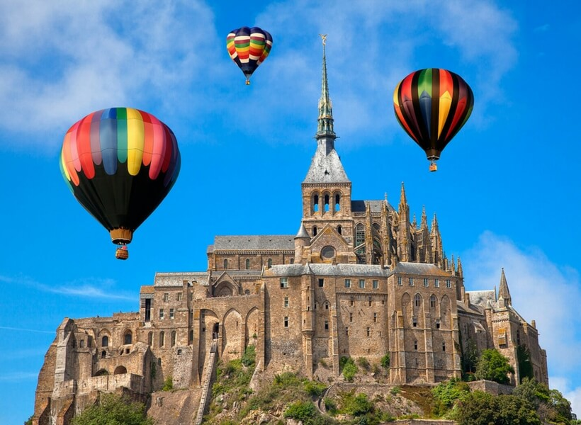 mont saint michel and hot air balloons