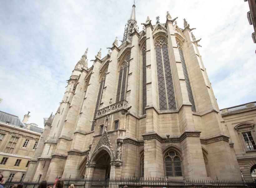 exterior of the sainte chapelle; paris highlights