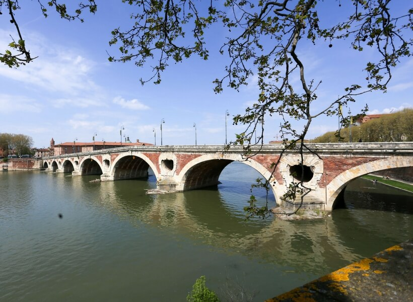 pont neuf in toulouse, toulouse area