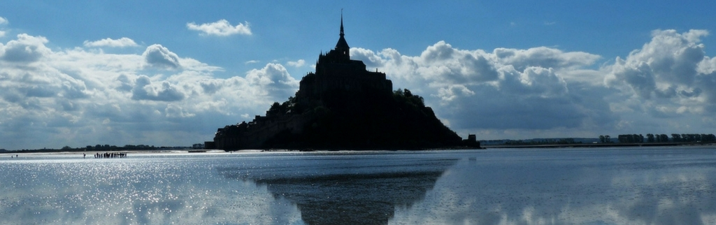 mont saint michel at high tide
