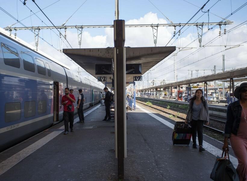 train platform in france