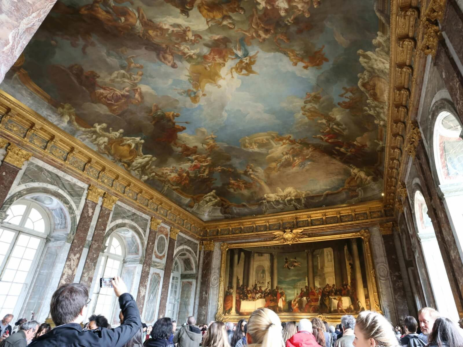 good reasons to take a tour: not getting stuck in a huge group of visitors at Versailles!
