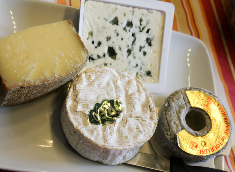 Cheese platter with camembert, comté, roquefort and a couronne de touraine goat cheese
