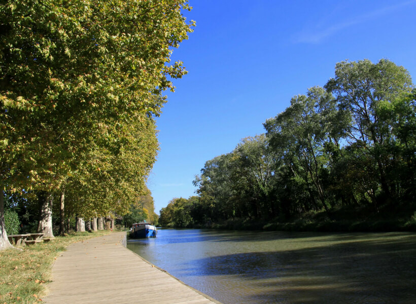 walking path along the canal du midi