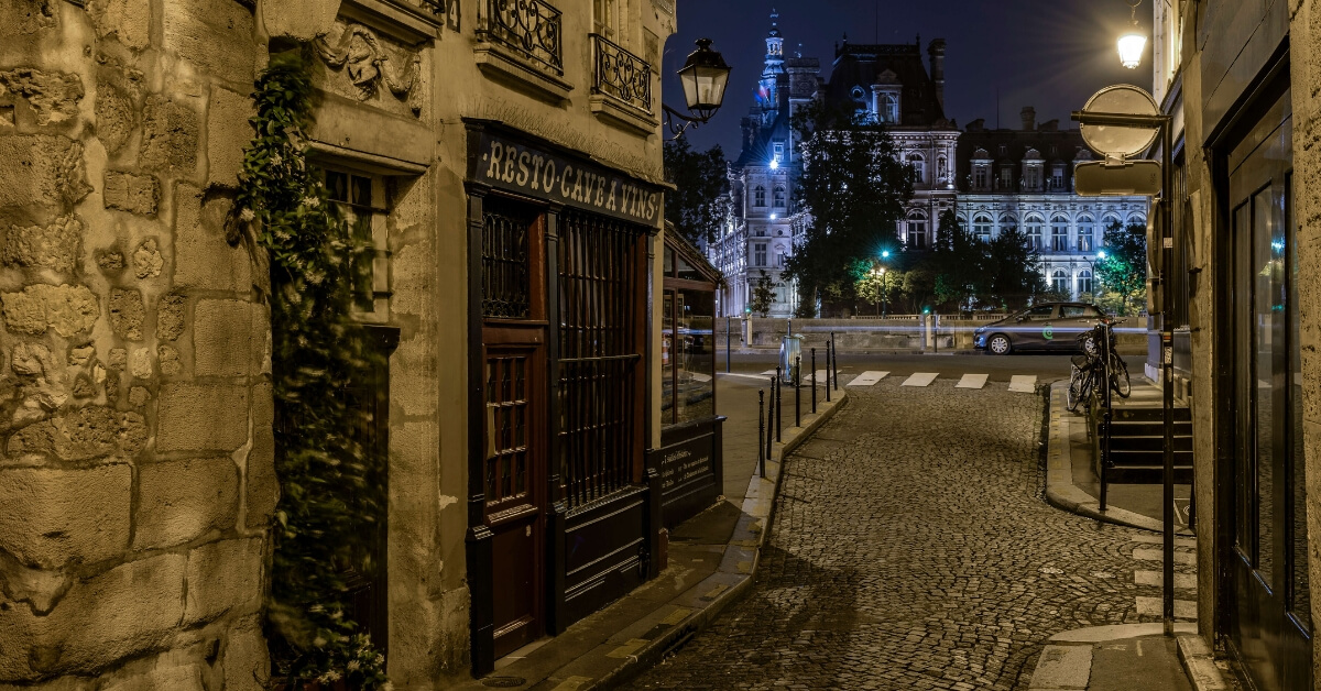 deserted Paris street at night: 4 days in Paris Episode
