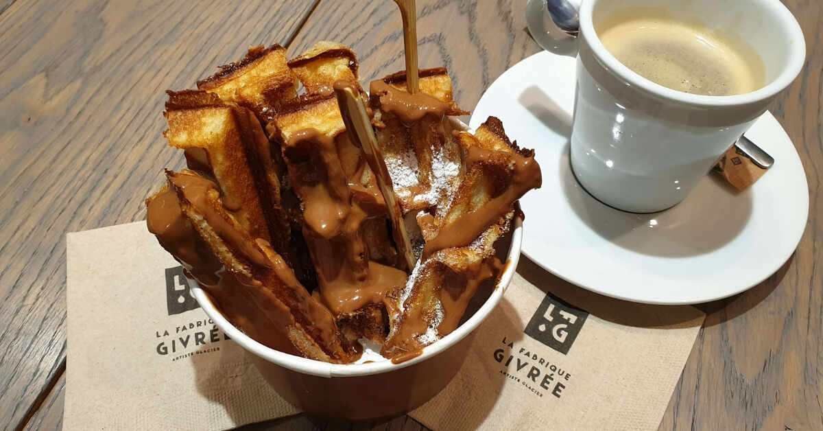 Waffles with caramel syrup at La Fabrique Givrée in Paris