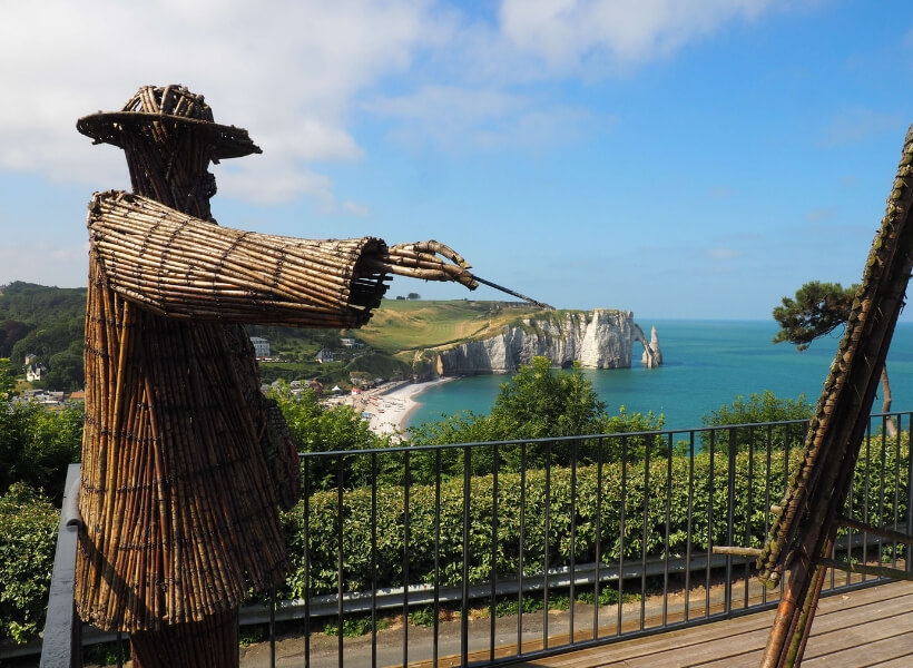 art installation at the Jardin D'Etretat depicting Claude Monet painting the cliffs