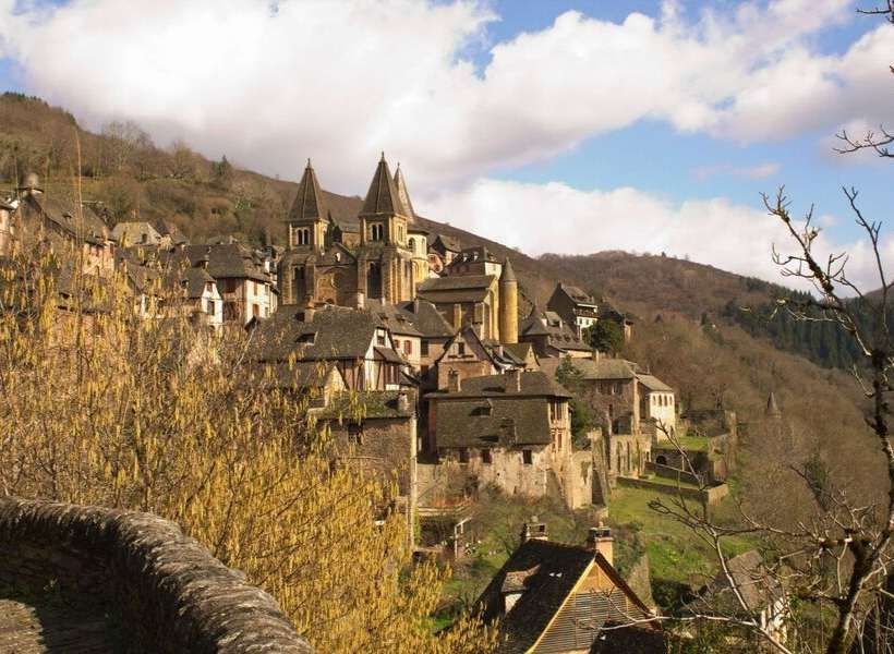 Overall view of Conques