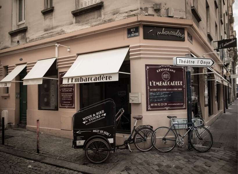Café in France called L'Embarcadère