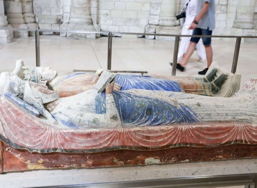 Recumbent of Eleanor of Aquitaine in the Fontevraud Abbey