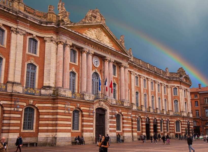 Toulouse Capitole square: France for a month episode