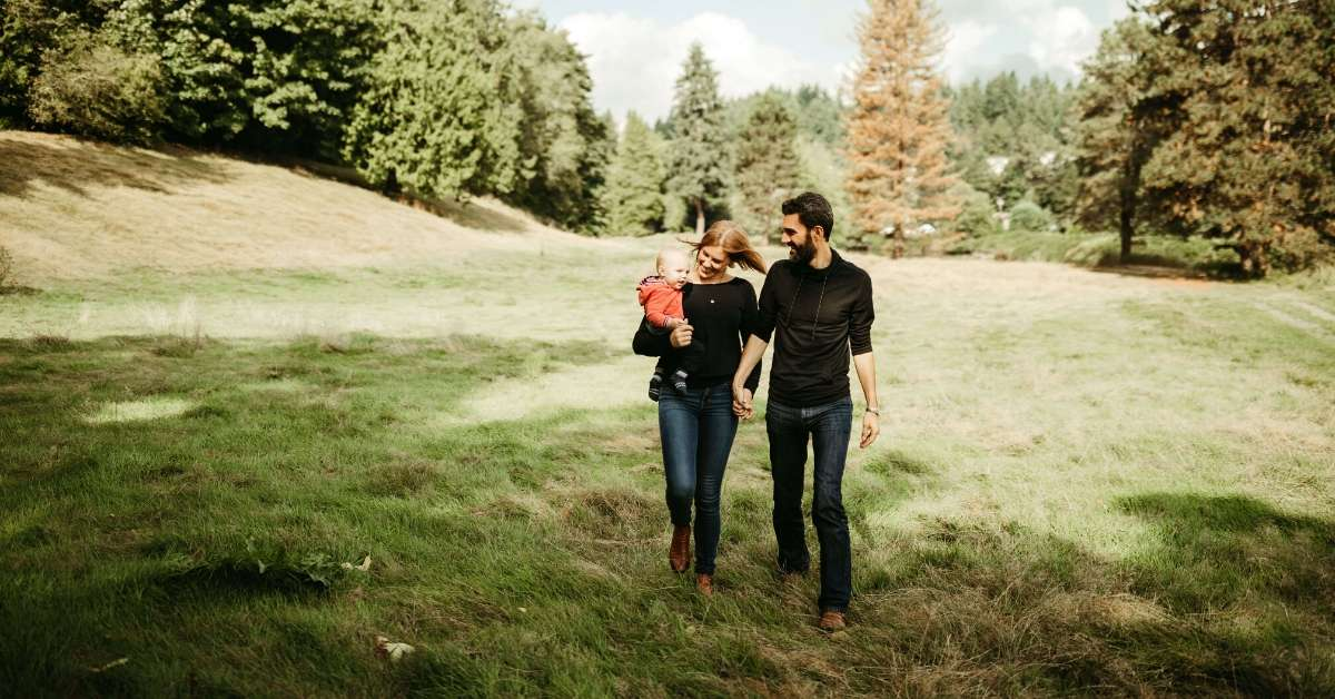 Having a baby in France: Shauna, her husband and baby