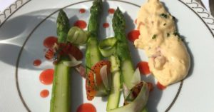 Asparagus and potato beautiful plate: how eat like a local in France episode