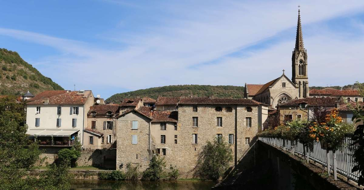 The town of Saint-Antonin-Noble-Val, the Aveyron river and bridge