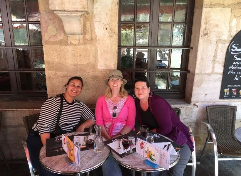 Ellen and two friends in Burgundy: Burgundy Wine and Gastronomy episode