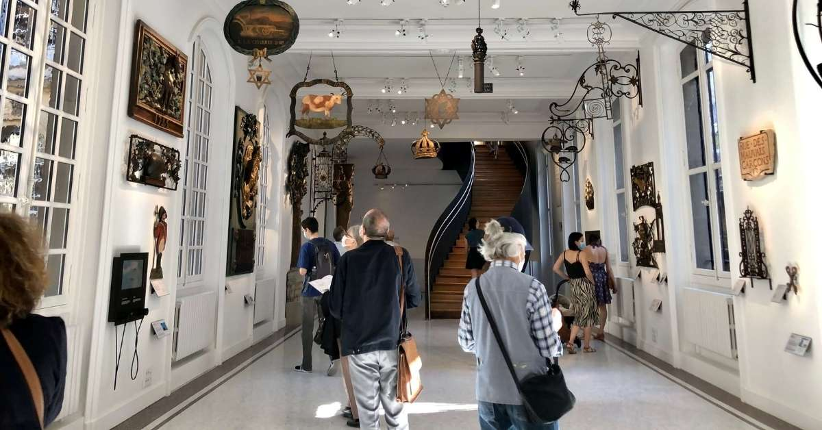 The first room of the Carnavalet Museum