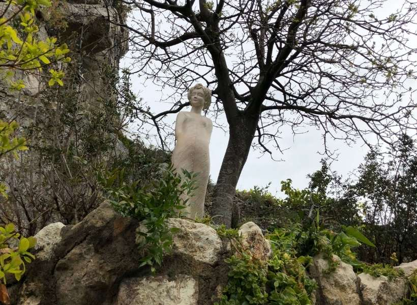 A statue in the garden at the top of Eze