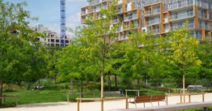 Building and crane: Buying New Constructions in France episode